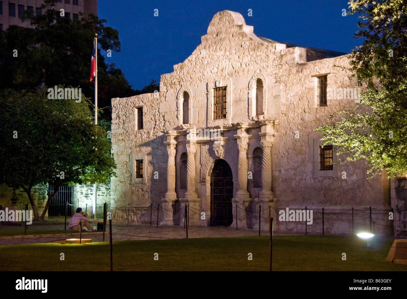 San Antonio Missions, The Alamo (AKA Mission San Antonio de Valero), State Historic Site at night - Stock Image