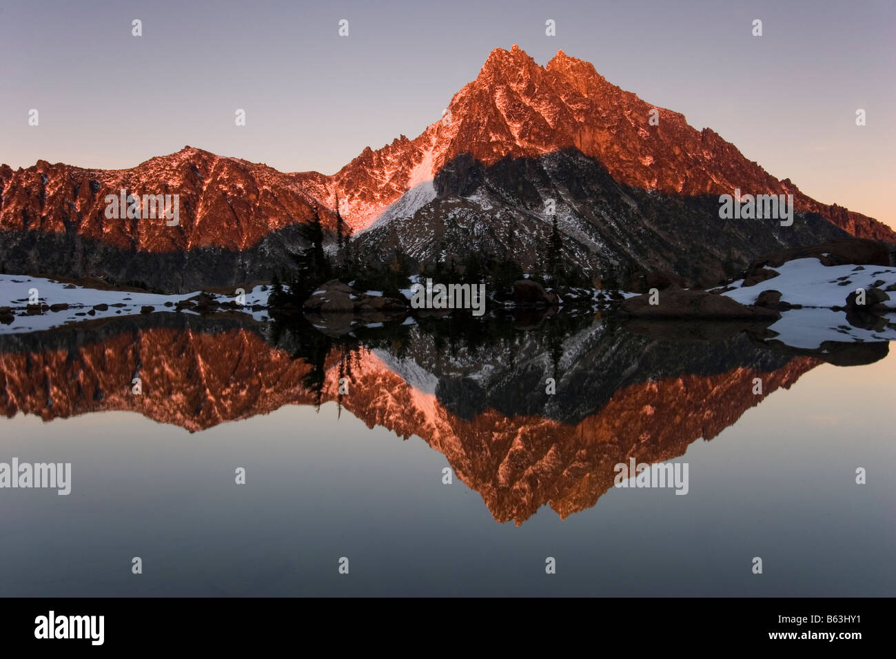 Mount Stuart reflected in Ingalls Lake Alpine Lakes Wilderness Mount Baker Snoqualmie National Forest Washington - Stock Image