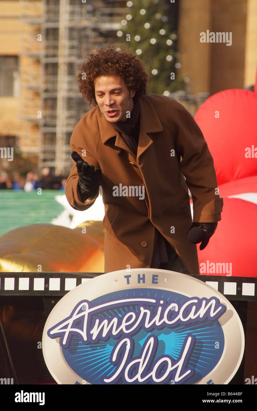 d3aaa4ec76 American Idol Justin Guarini sings at the Philadelphia Thanksgiving Day  Parade 2008 - Stock Image