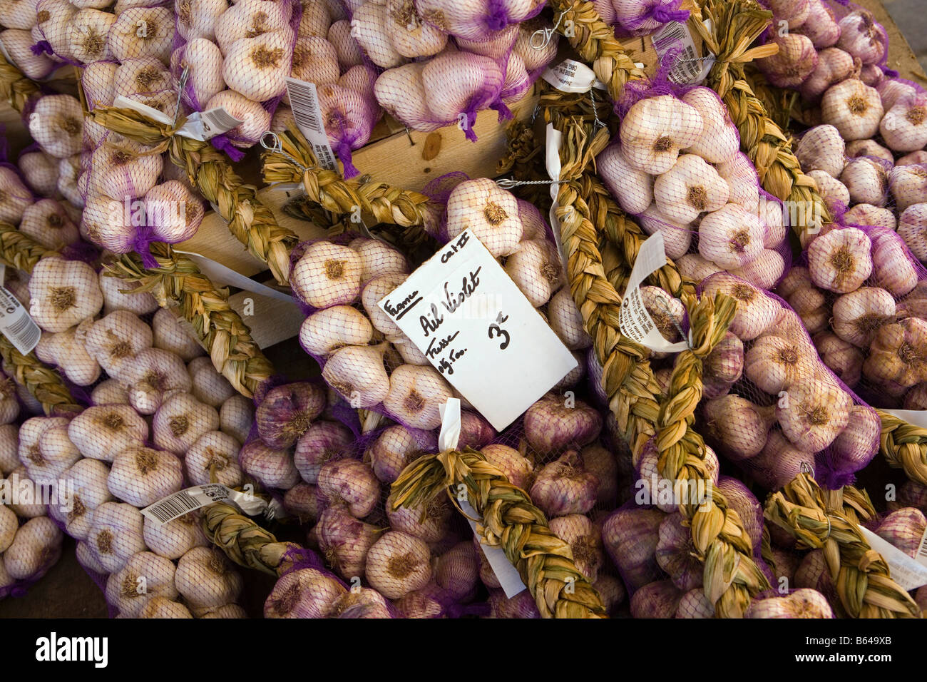 France, near Beaune, Burgundy, Market, Garlics - Stock Image