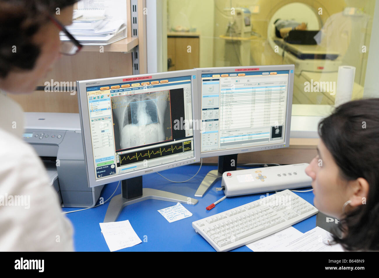 Radiologist at work - Stock Image