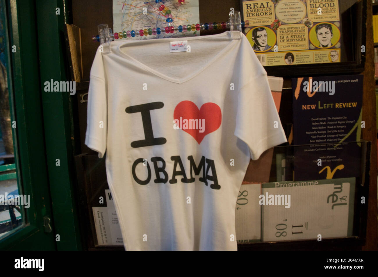Obama Tee Shirt in Shakespeare and Co. Paris - Stock Image