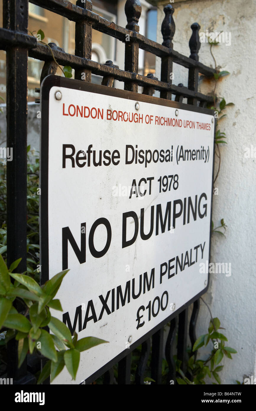 London Richmond upon Thames No Dumping Sign - Stock Image