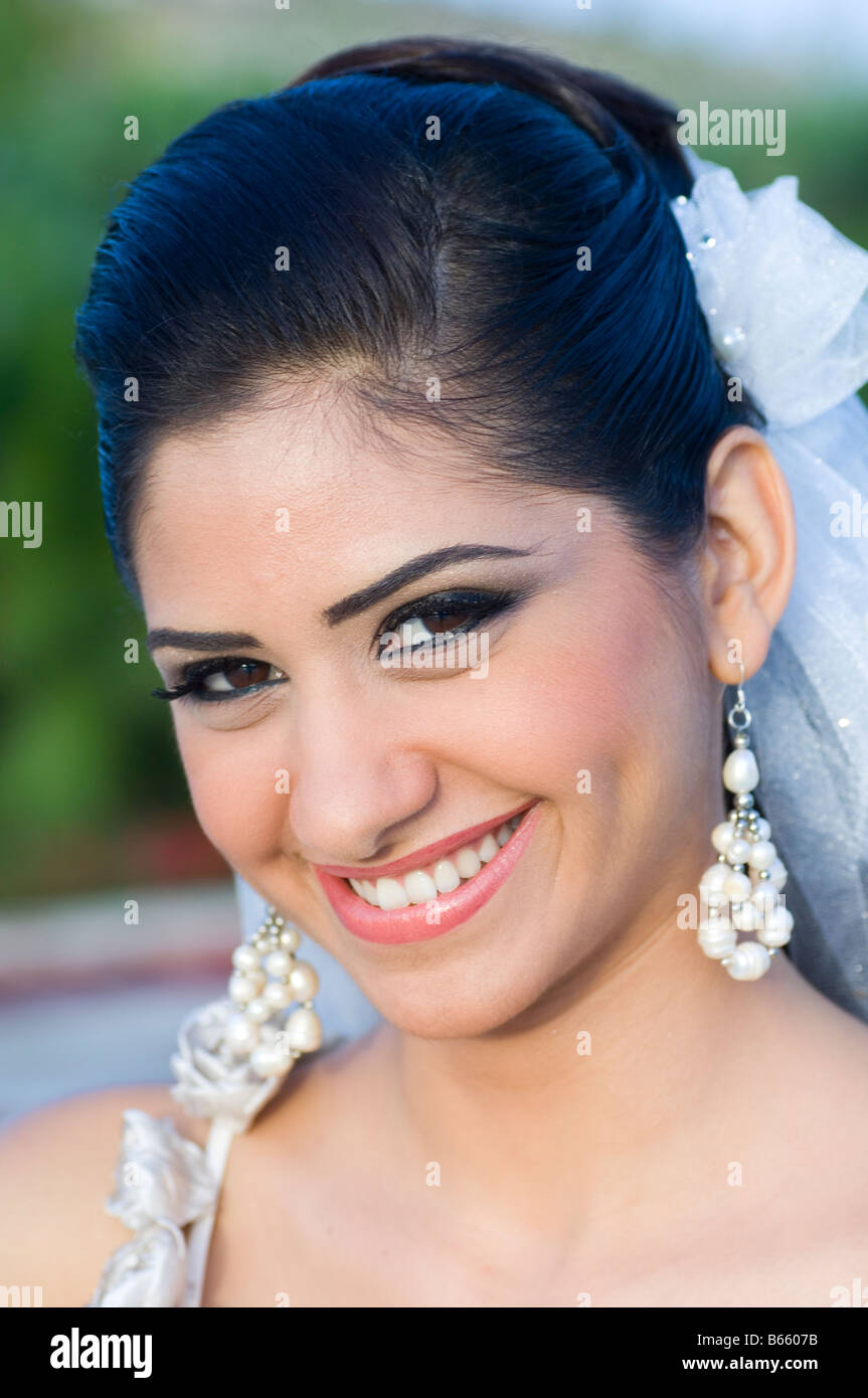 Portrait of a beautiful bride - Stock Image