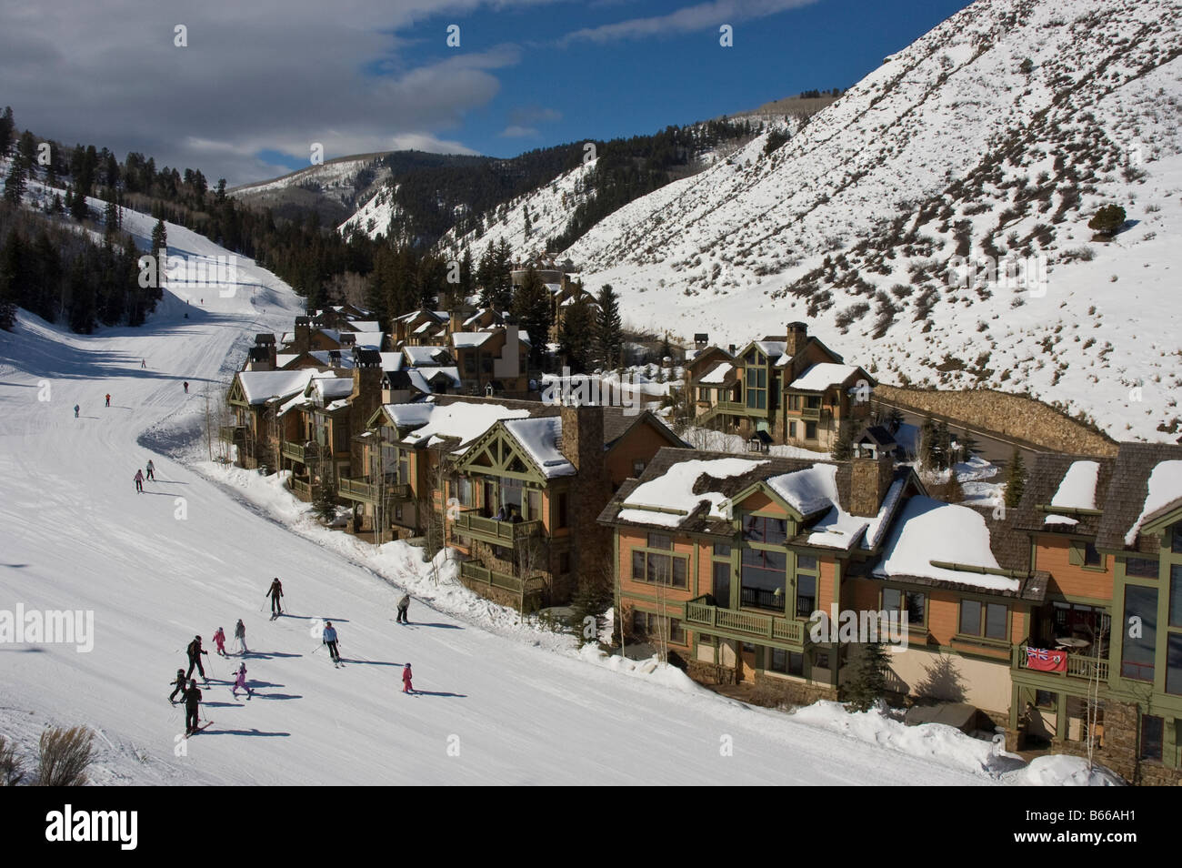 arrowhead base area condos as seen from the lift beaver creek stock photo alamy https www alamy com stock photo arrowhead base area condos as seen from the lift beaver creek resort 21038333 html