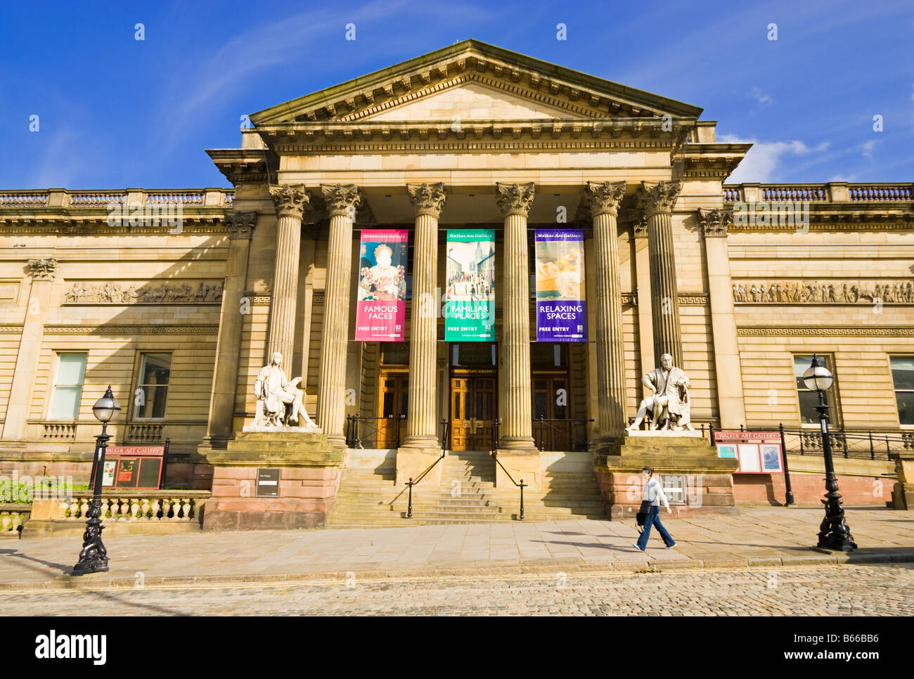 Front view of the historic Walker Art Gallery, Liverpool, UK - Stock Image