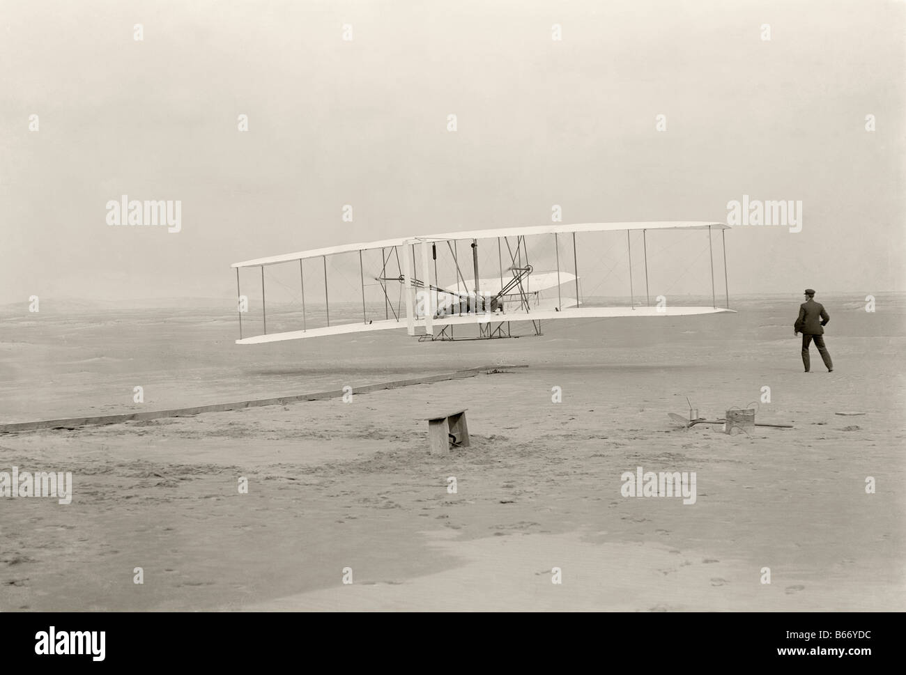 Wright Brothers make first powered flight in 1903 at Kitty Hawk, North Carolina, United States of America - Stock Image