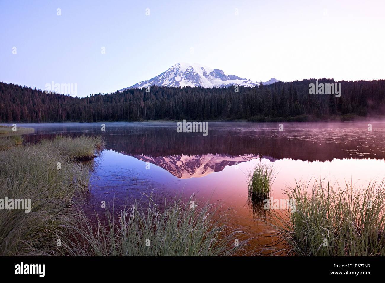 Sunrise at mount rainier - Stock Image