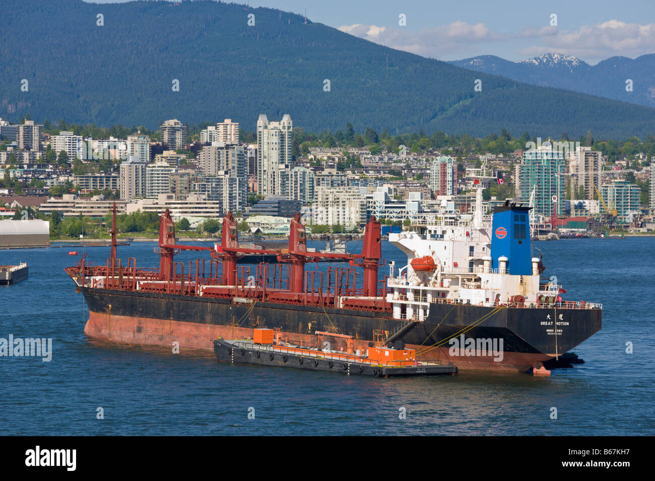 Geared bulk carrier ship in ballast Vancouver 'British Columbia' Canada - Stock Image