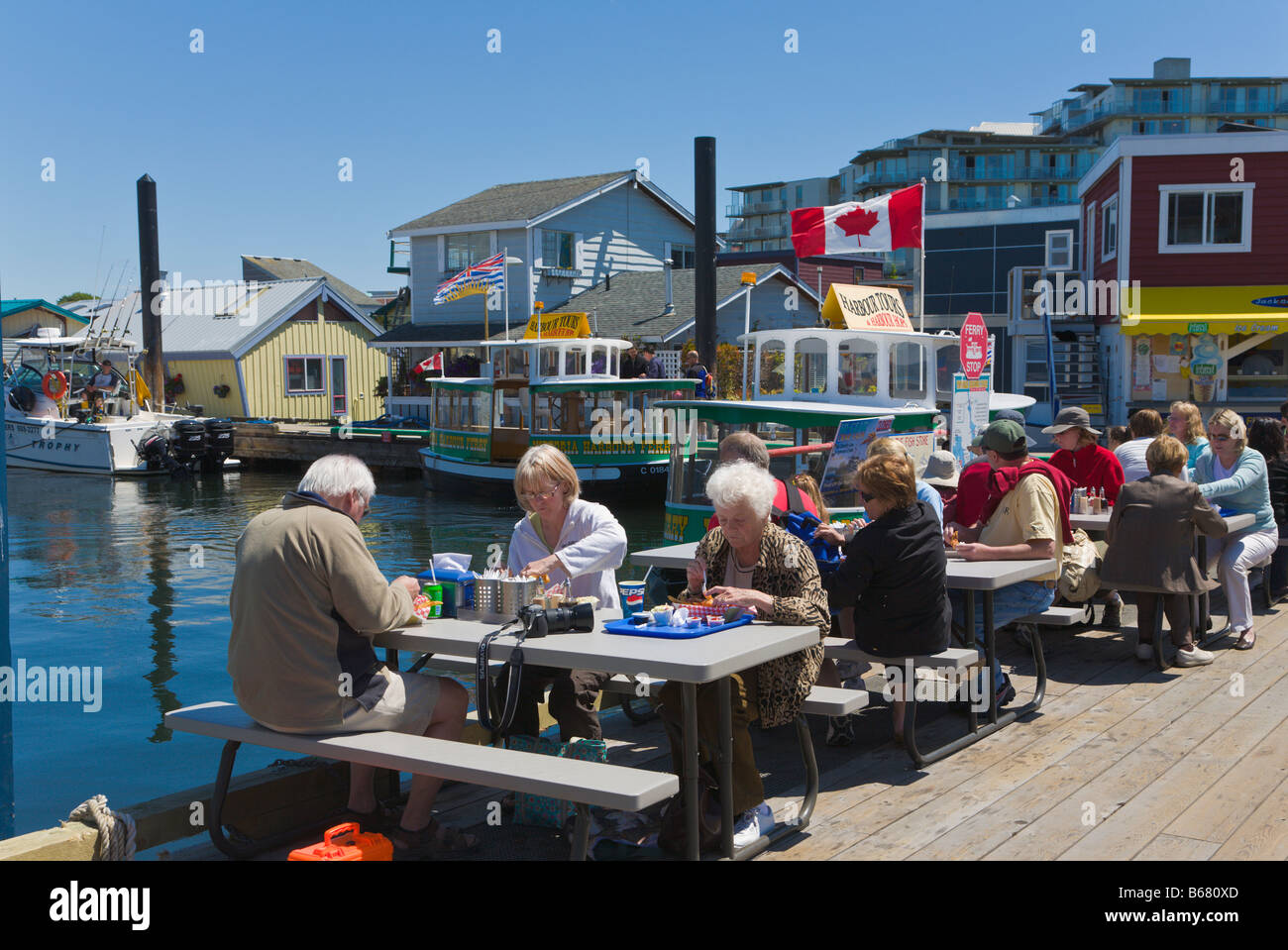 """People eating Fish and Chips """"Fishermans Wharf"""" Victoria """"Vancouver Stock Photo: 21074661 - Alamy"""