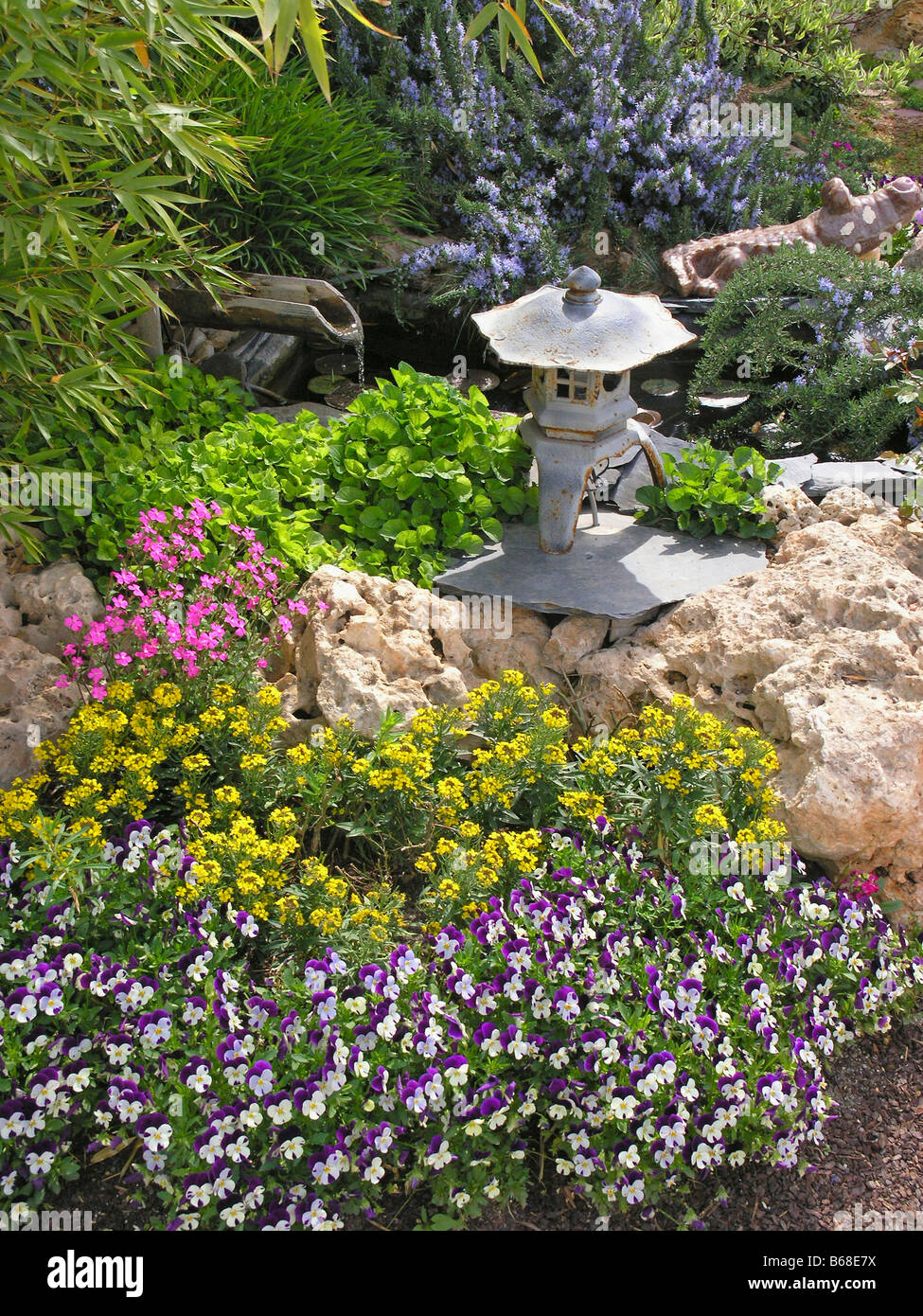Japanese style in a garden - Stock Image