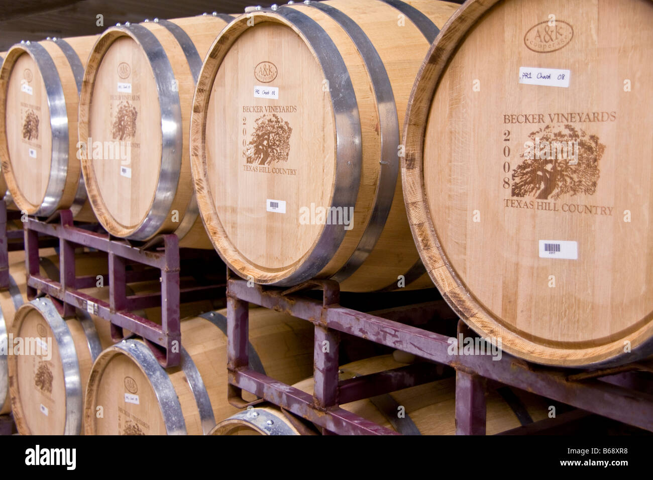 Texas Hill Country, Becker Vineyards oak aging barrels - Stock Image