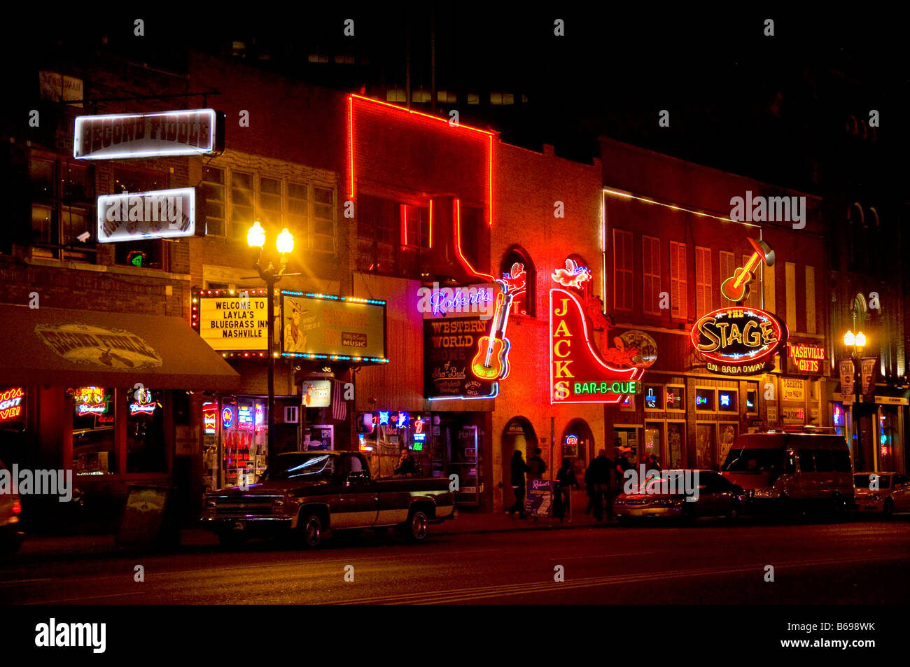 Famous Country Music Bars And Restaurants On Broadway In