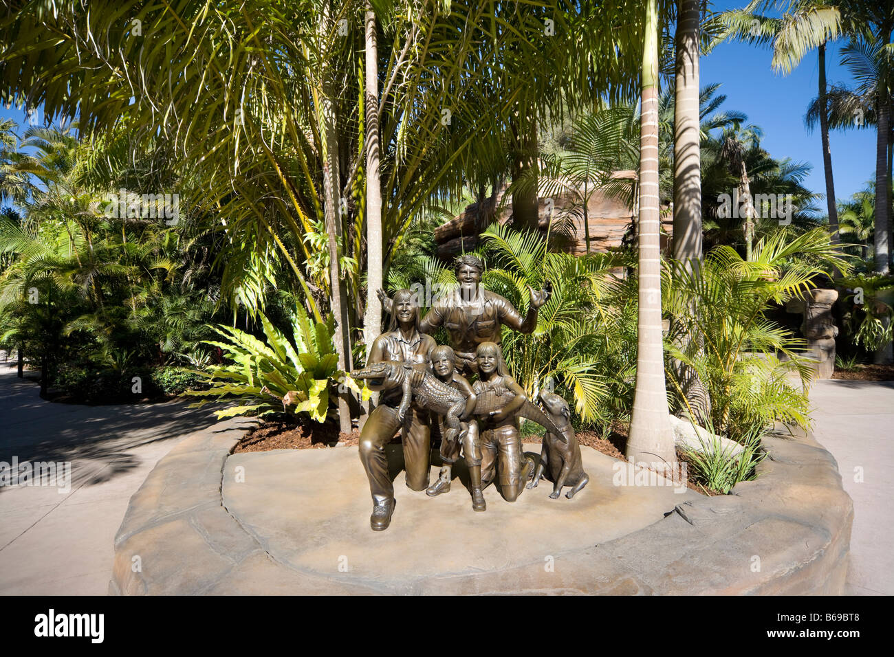 Bronze sculpture of Steve Irwin with his family in Australia Zoo. - Stock Image