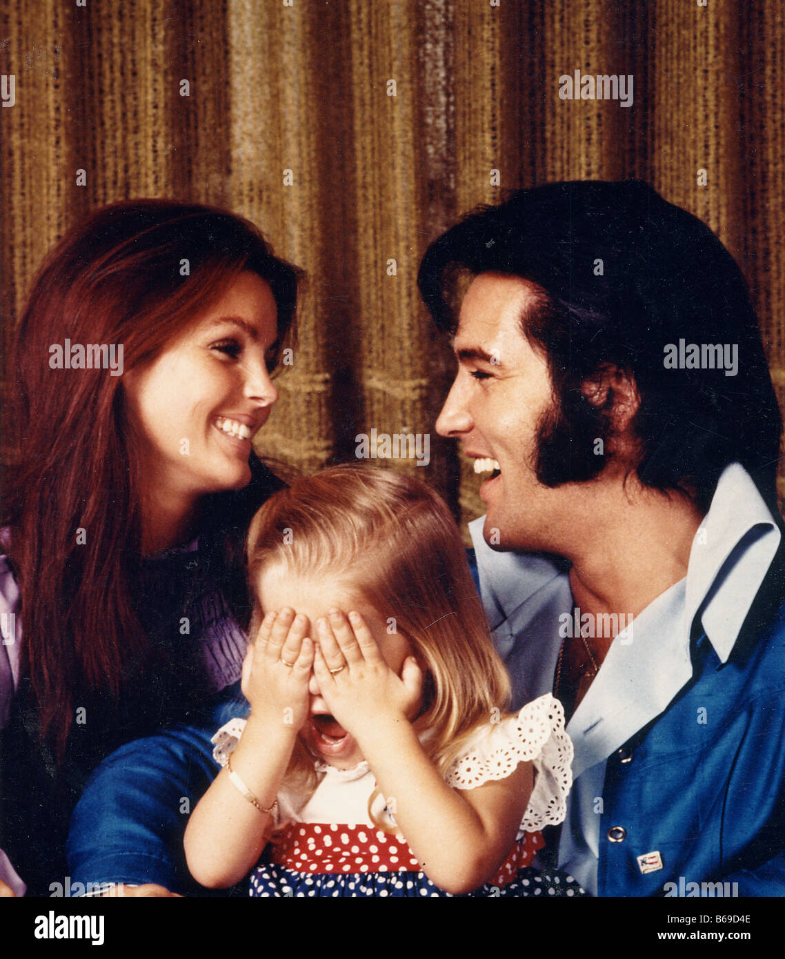 ELVIS PRESLEY with Priscilla and daughter Lisa Marie about 1973 - Stock Image