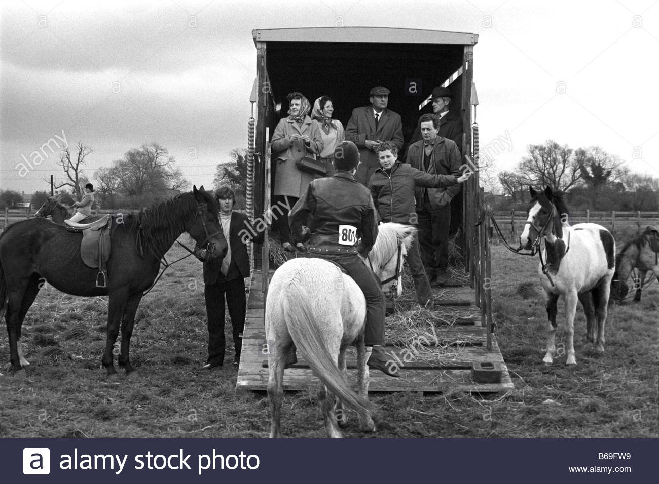 The English at play in the 1970s Part 2 Pony sale in the Cotswolds Stock Photo