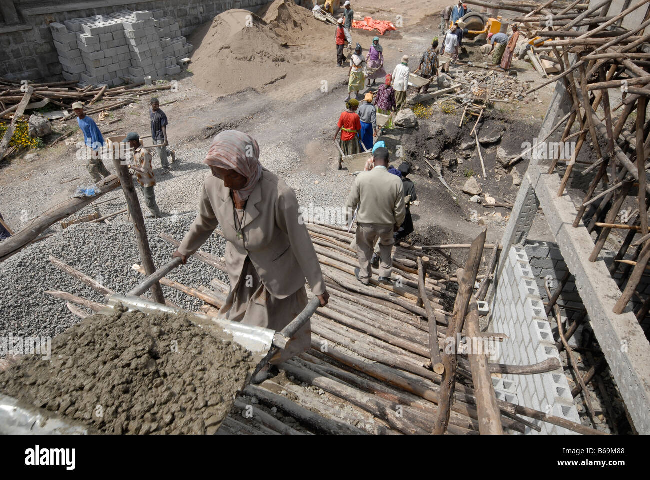 Women labourers on a building site in Addis Ababa, Ethiopia, Africa Stock Photo