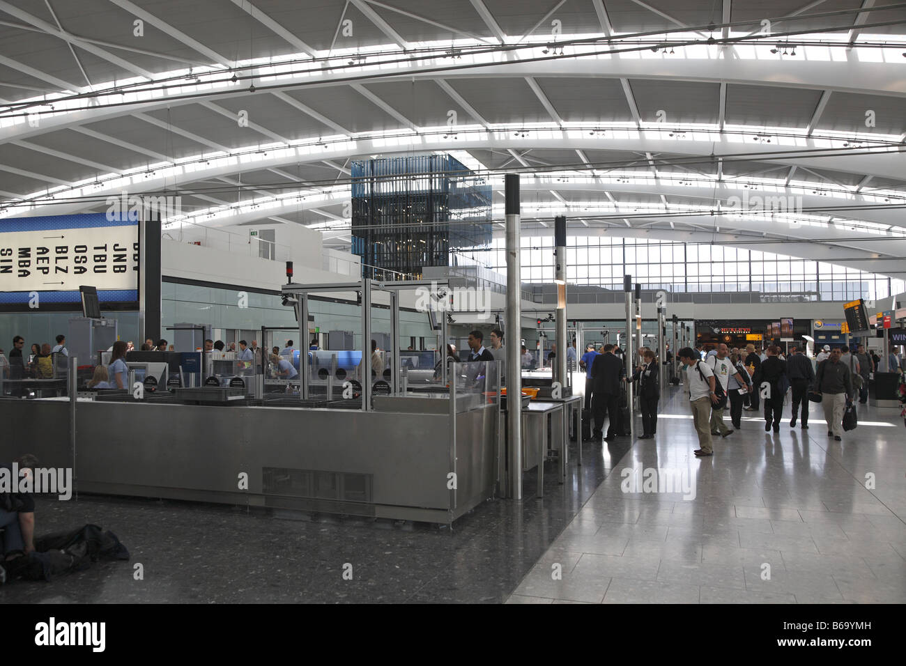 London Heathrow Airport Terminal 5 Five Architekt Architect Richard Rogers - Stock Image