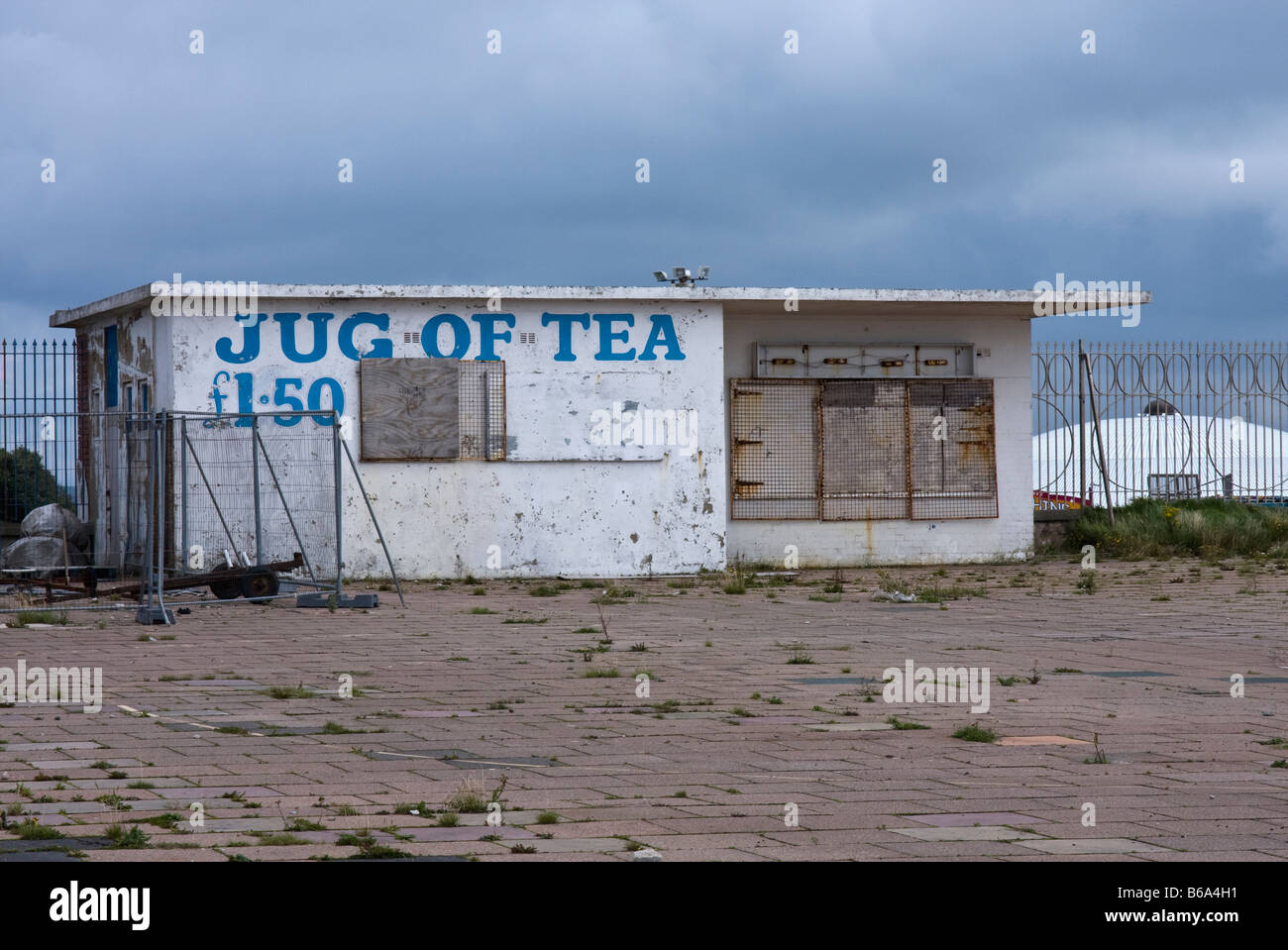 'disused cafe' in need of some TLC - Stock Image