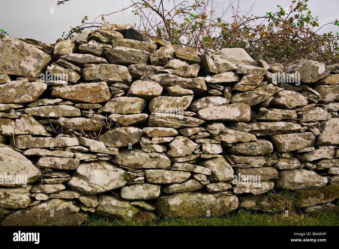 Dry Stone Wall rural Ireland - Stock Image