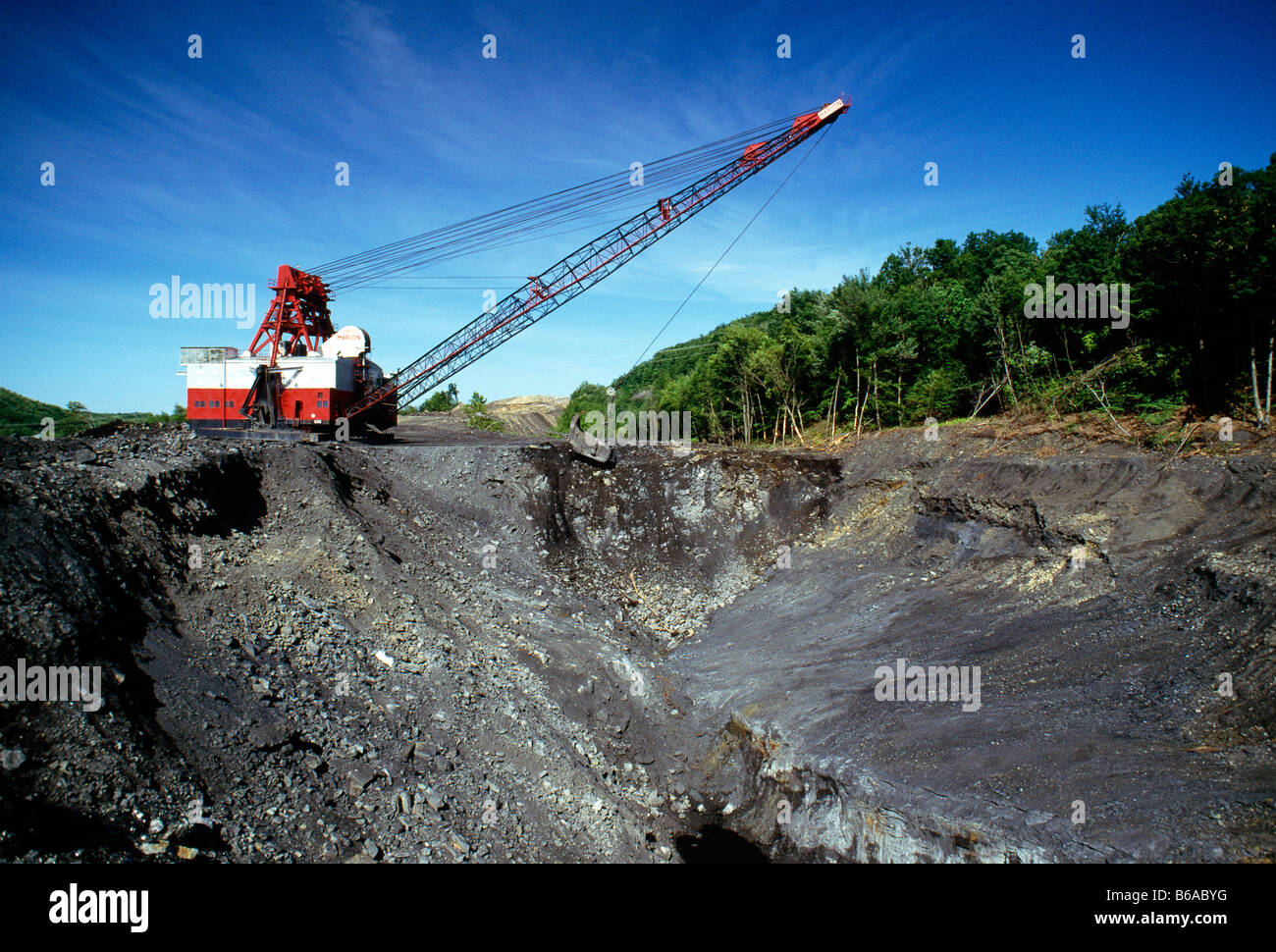 Dragline Working At Open Pit Mine For Anthracite Hard