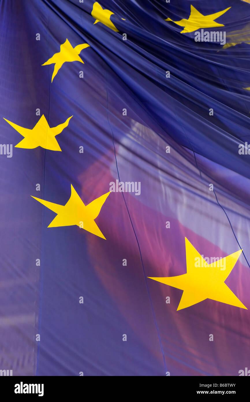 Flying the European Union flag at the Arc de Triomphe, Paris Stock Photo