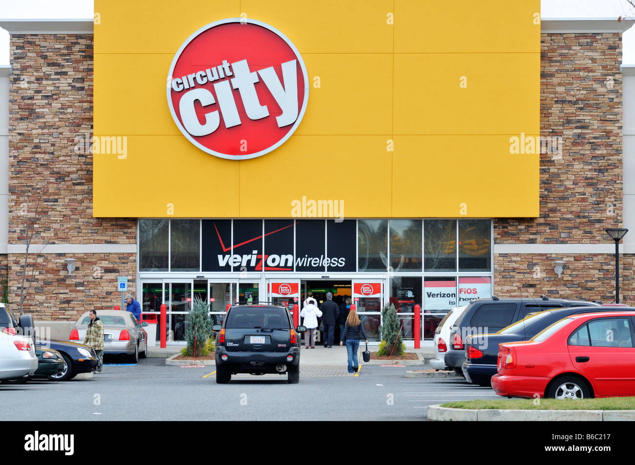 Exterior of Circuit City electronics retail store with cars in Stock