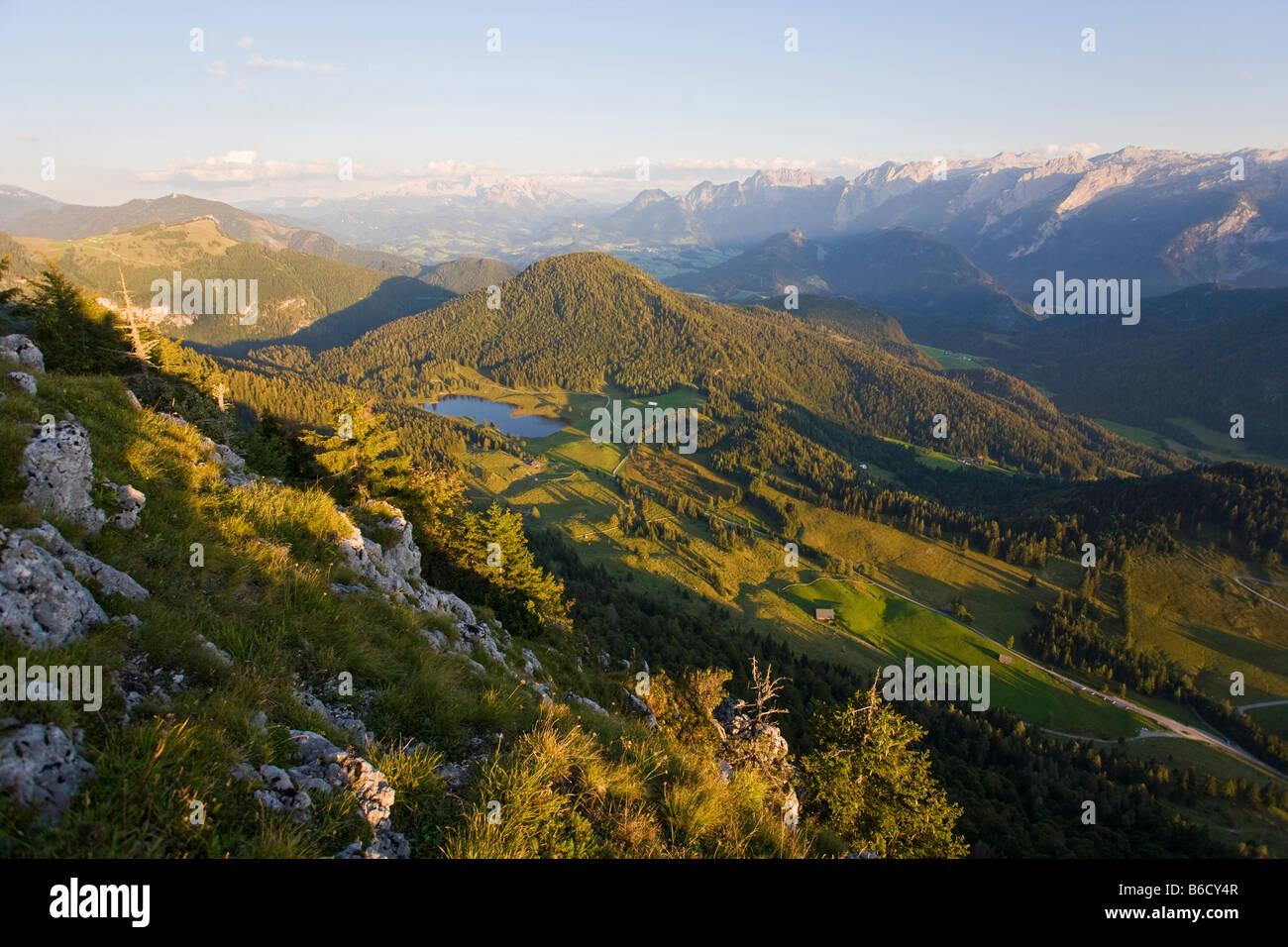 Panoramic view of mountain range Osterhorngruppe Seewaldsee Lammertal Dachsteingruppe Tennengebirge Tennengau Salzburg Stock Photo