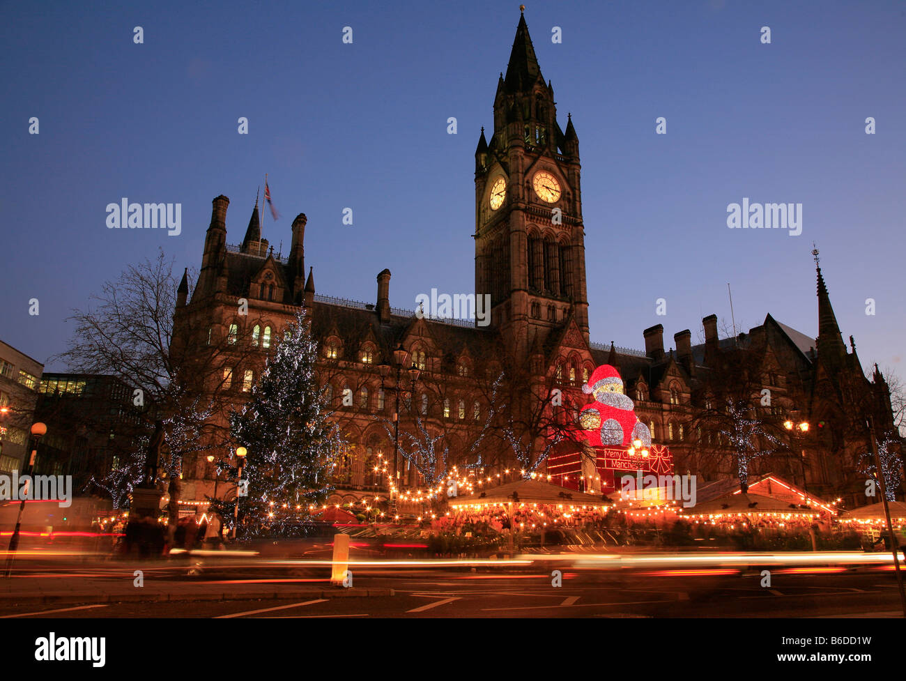 Night time at Albert Square at Christmas, Manchester - Stock Image
