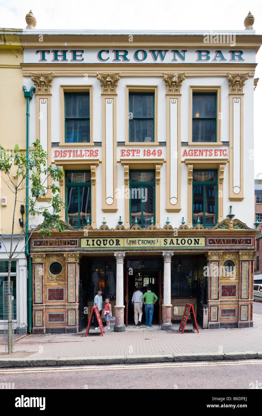 The Crown Bar and Liquor Saloon, Belfast, Northern Ireland - Stock Image