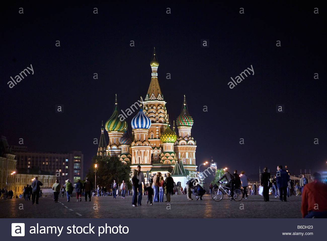 Russia, Moscow. Red Square. Basilius Cathedral at dusk. - Stock Image