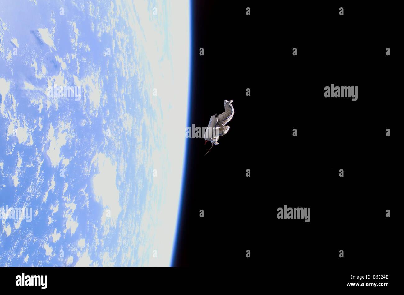 SuitSat space debris. The SuitSat (centre) is anunneeded Russian Orlan spacesuit. - Stock Image