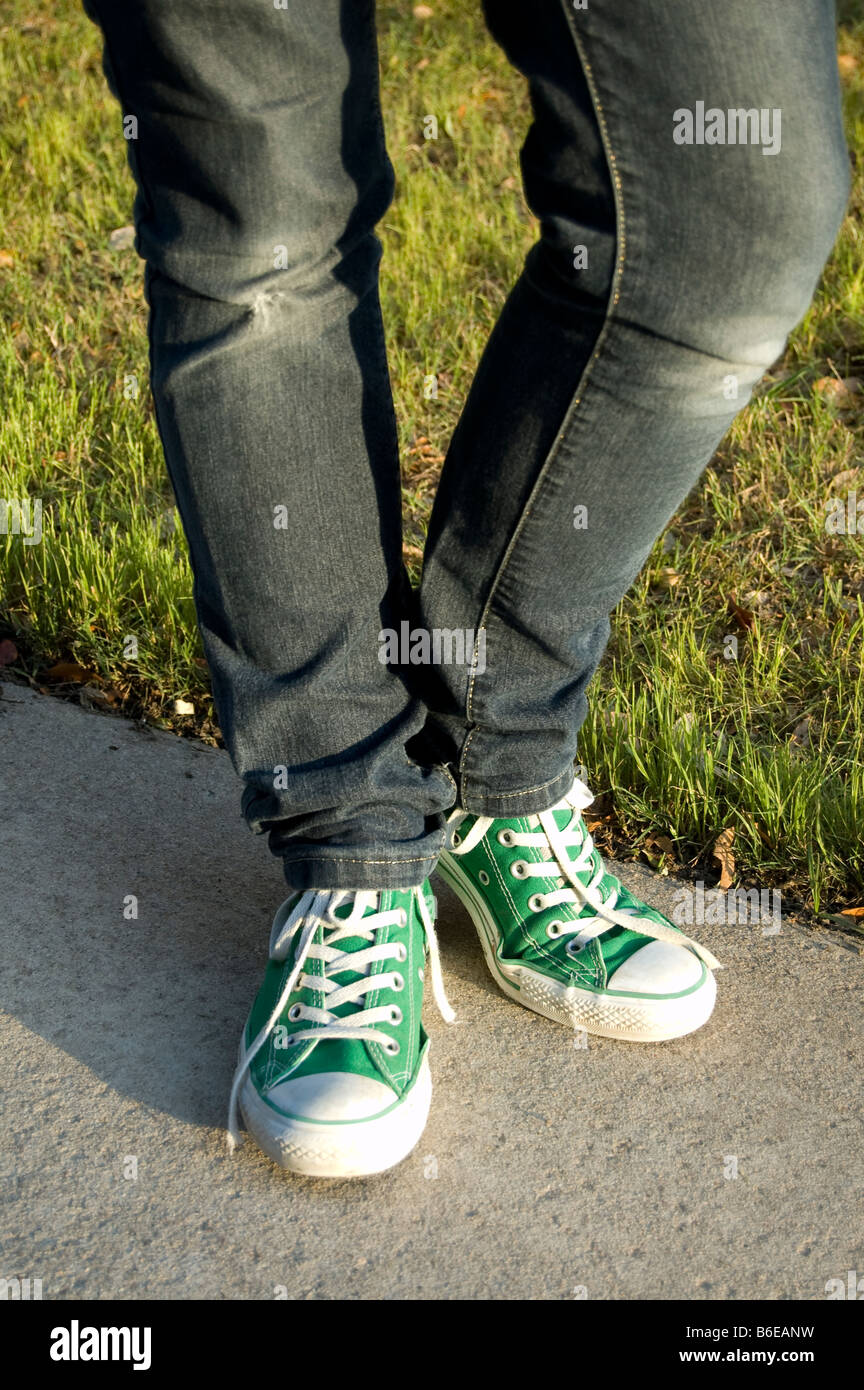 blue converse with jeans