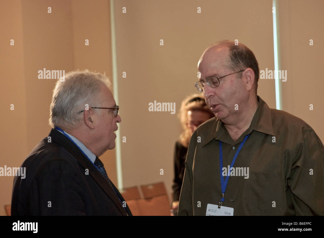 Prof. Edward Luttwak and Lt. Gen. (Ret.) Moshe Yaalon during the Adelson Institute's Dec. 2008 Counterinsurgency Stock Photo