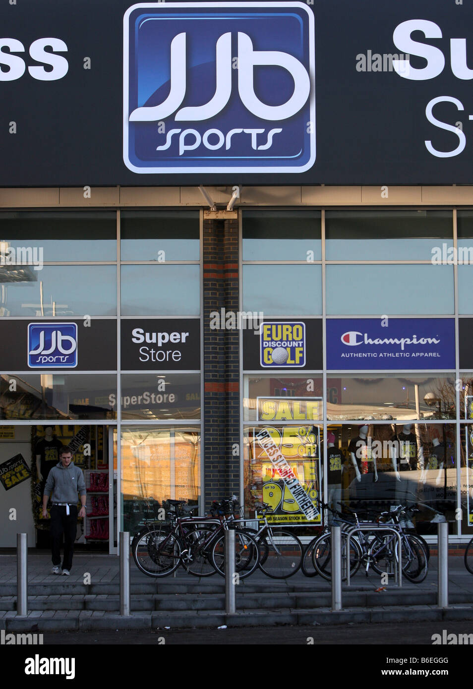 JJB SPORTS SHOP AND FITNESS CENTRE - Stock Image