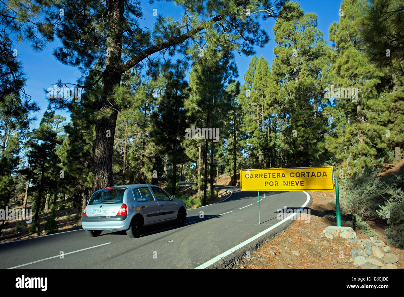Spain, Canary Islands, Tenerife, National Park called TEIDE, Road sign saying that road is blocked due to snow - Stock Image