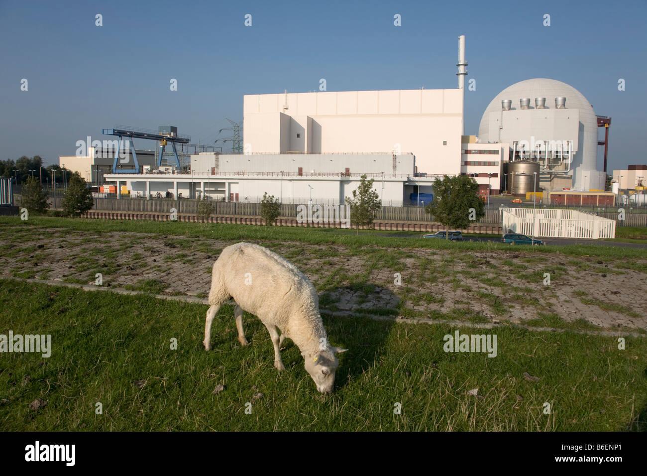 Kernkraftwerk KKW Brokdorf or Brokdorf Atomic Power Station, Elbe, Schleswig-Holstein, Germany, Europe - Stock Image