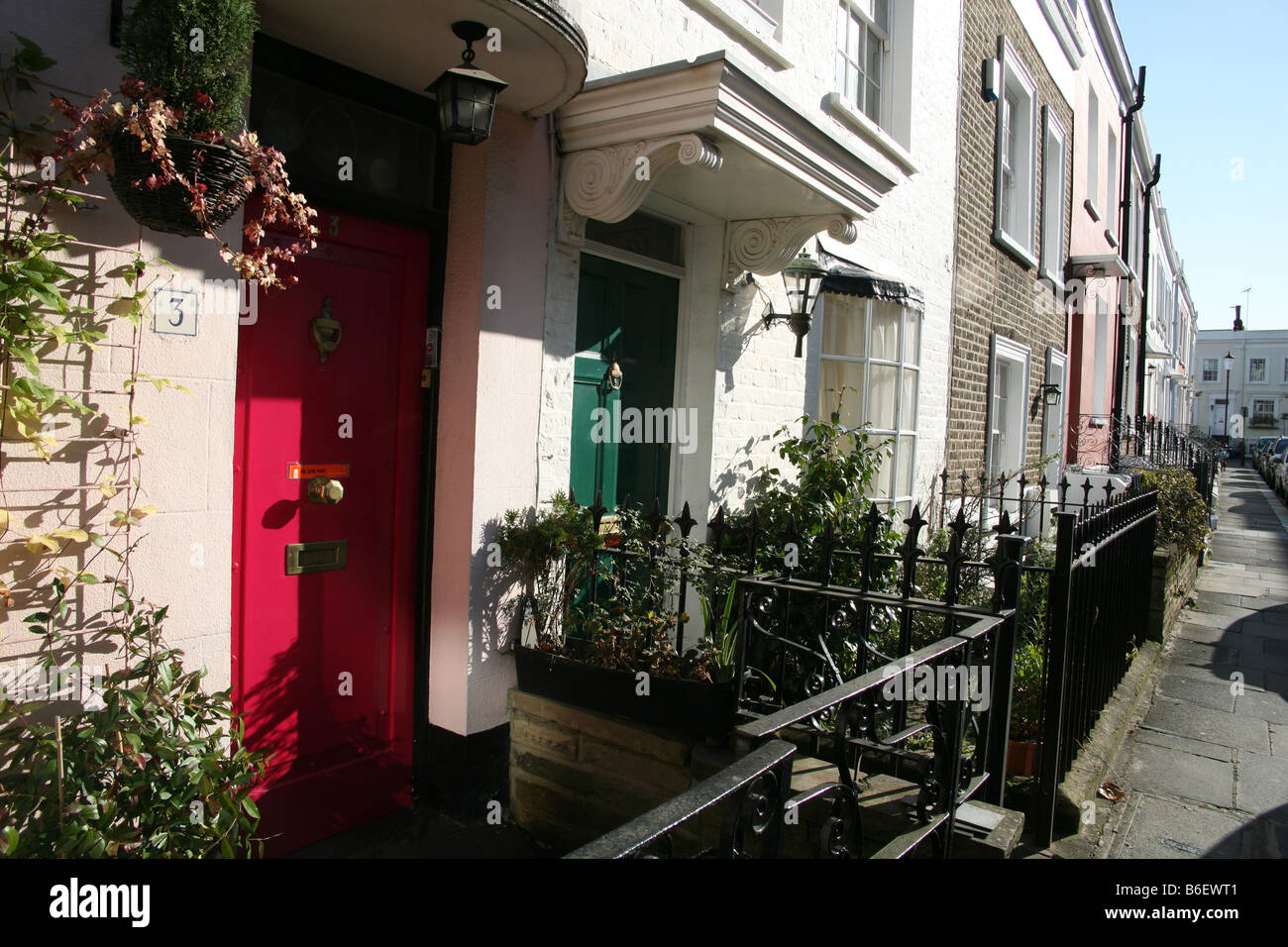 Terraced houses in Notting Hill Gate, London - Stock Image