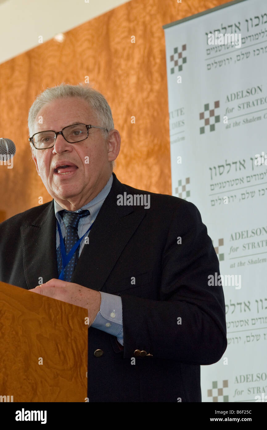 Prof. Edward Luttwak lectures at the Counterinsurgency Conference of the Adelson Institute for Strategic Studies, Stock Photo
