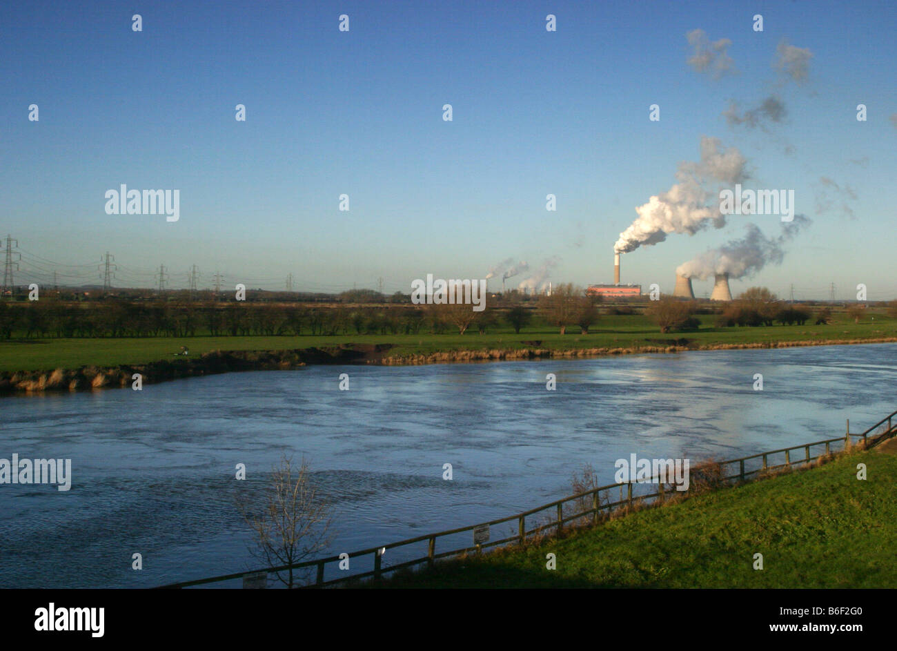 cottam power station in the trent valley providing electricity to the east midalnds - Stock Image
