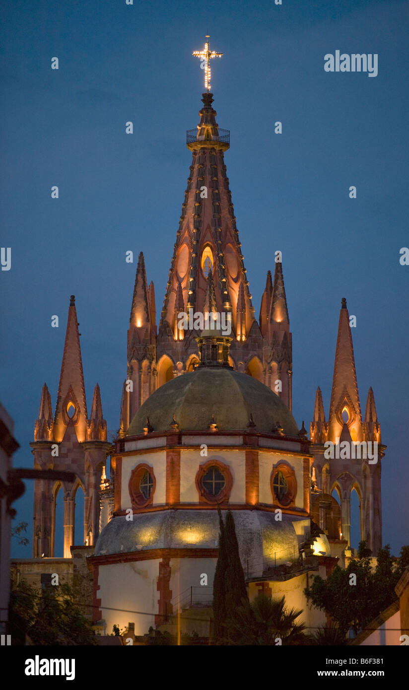 Parroquia Church at dusk, Colonial center of San Miguel de Allende, MEXICO - Stock Image