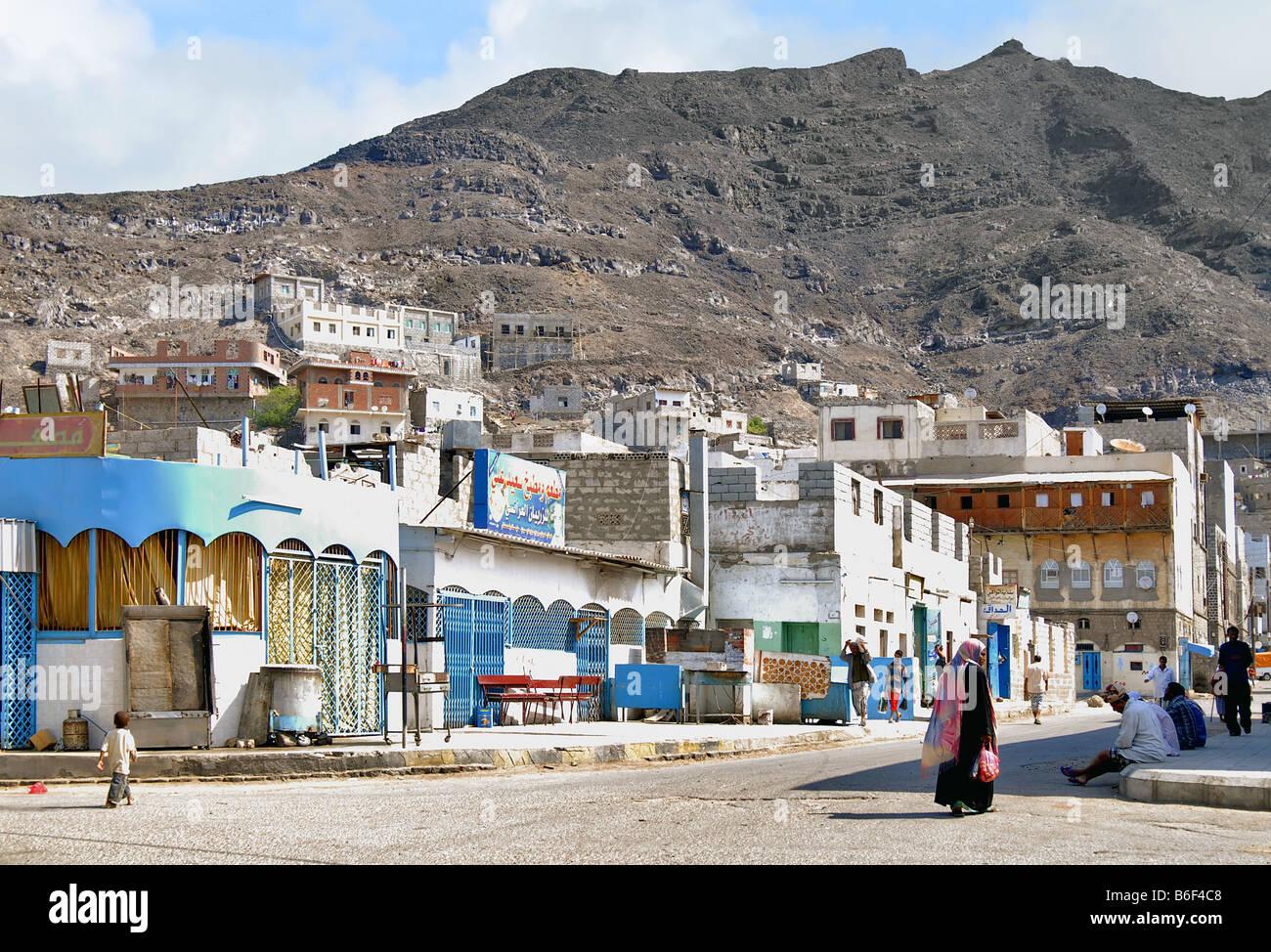 typical street scene in the traditional Arabian city of Aden, Yemen, Aden - Stock Image