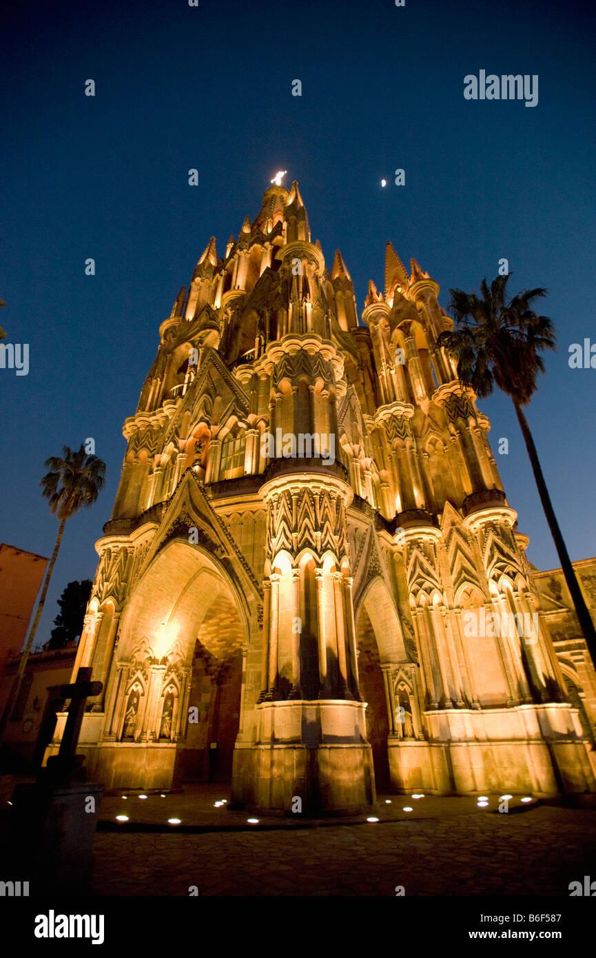 Parroquia Church at dusk, San Miguel de Allende, MEXICO - Stock Image