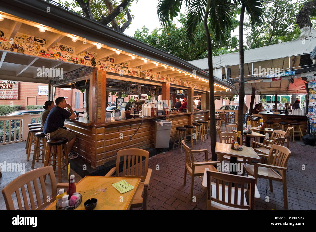 Early evening in the Hogs Breath Saloon, just off Duval Street in the old town, Key West, Florida Keys, USA - Stock Image
