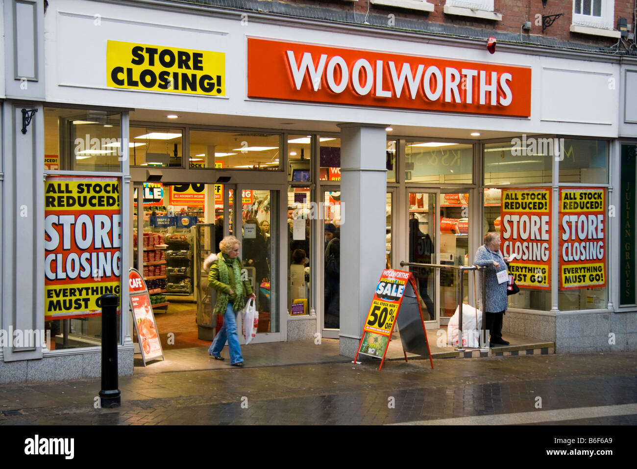 Woolworths store closing down in Windsor, Berkshire, England, UK - Stock Image