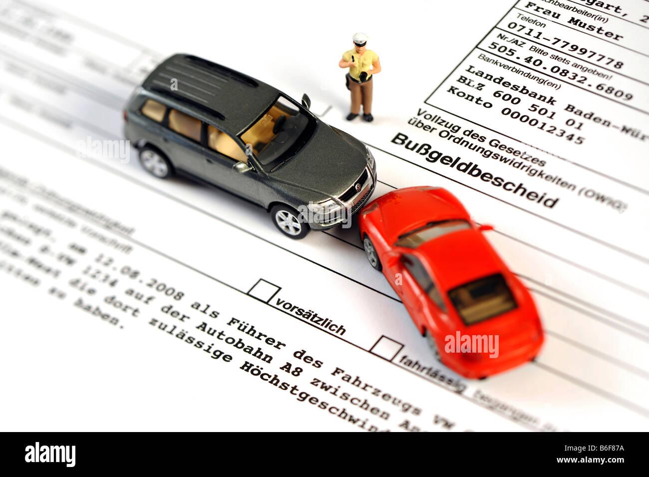 policeman vw touareg and porsche 911 cars as miniature figures on a traffic violation - Bugeldbescheid Muster