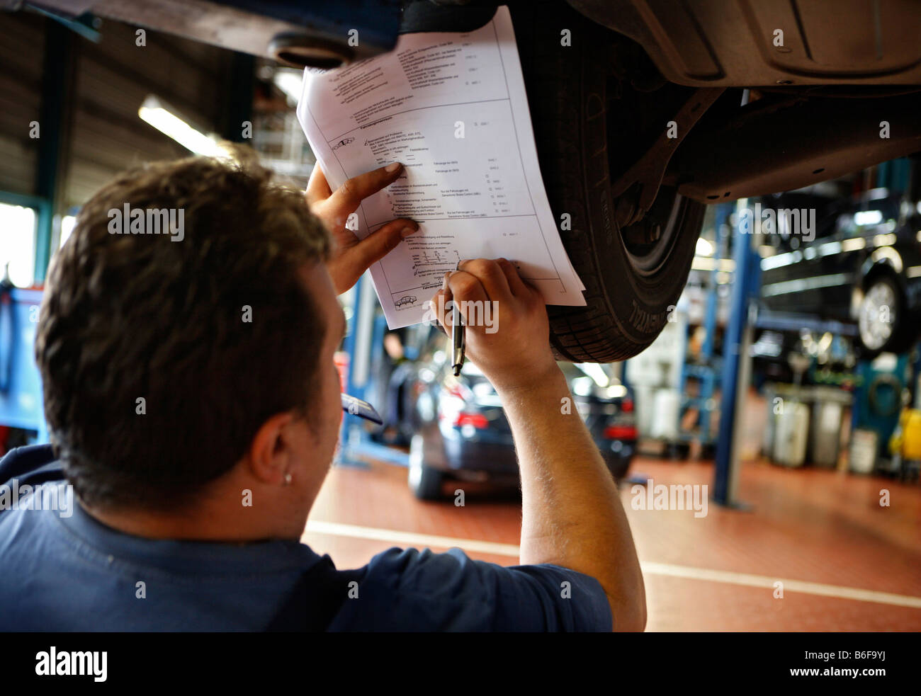 Written documentation of completed work on a Mercedes E 320 in the Daimler AG, Mercedes Benz Plant in Stuttgart, - Stock Image