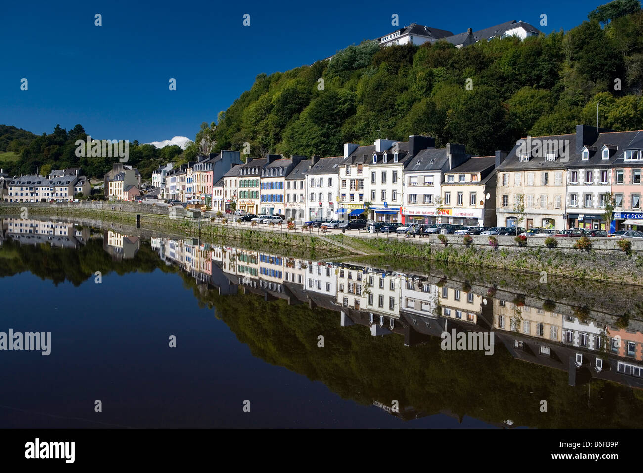 Small town of Chateaulin on the Aulne River, southern Finistère, Brittany, France, Europe - Stock Image