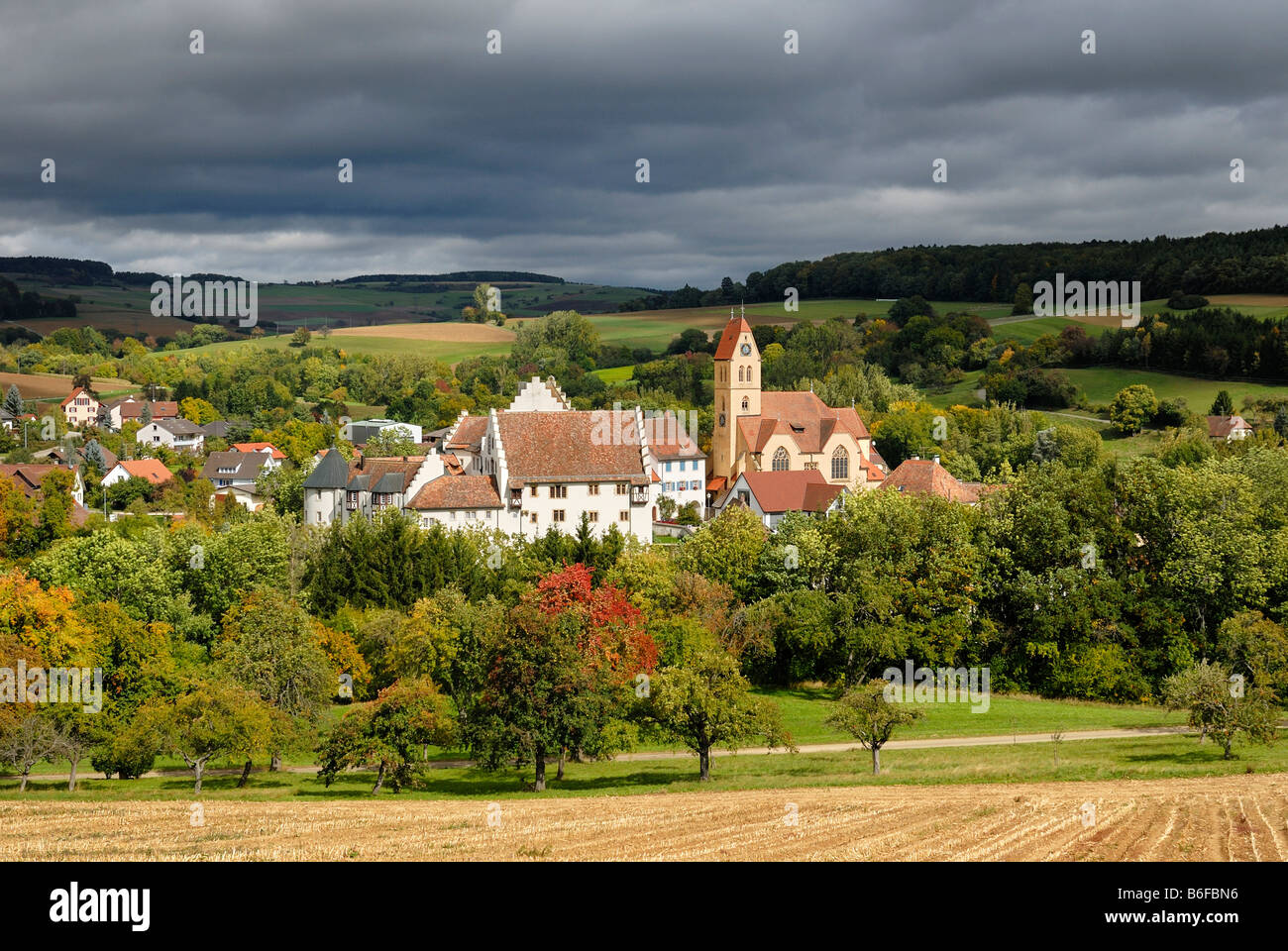 The historic center of Weil with its St. Nikolauskirche or St. Nikolaus Church and Blumenfeld Palace, in the region Stock Photo