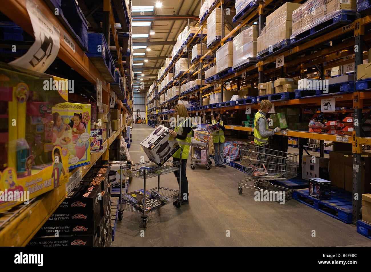 The interior of the Argos Catalogue Direct distribution centre in Welwyn Hertfordshiree - Stock Image